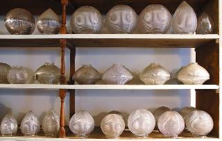 Holophane stalactites