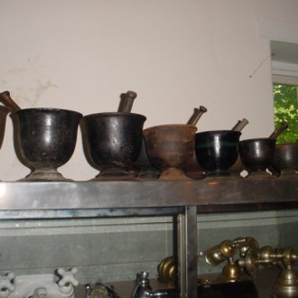Iron mortar & pestles