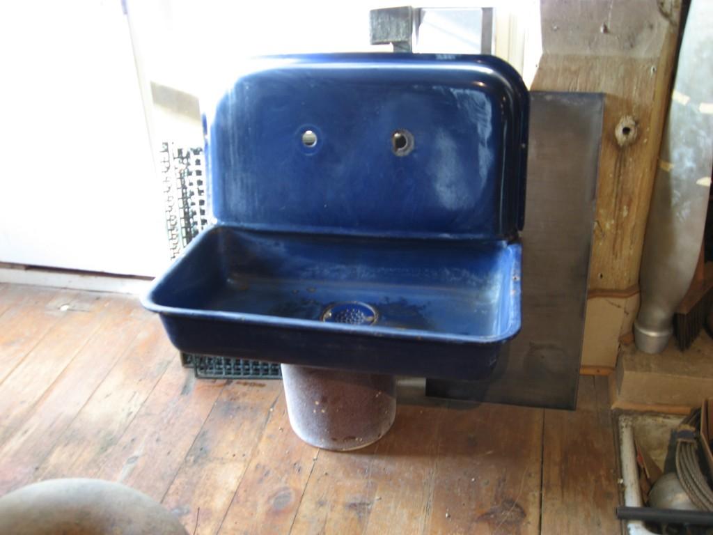 Cobalt blue kitchen sink Image
