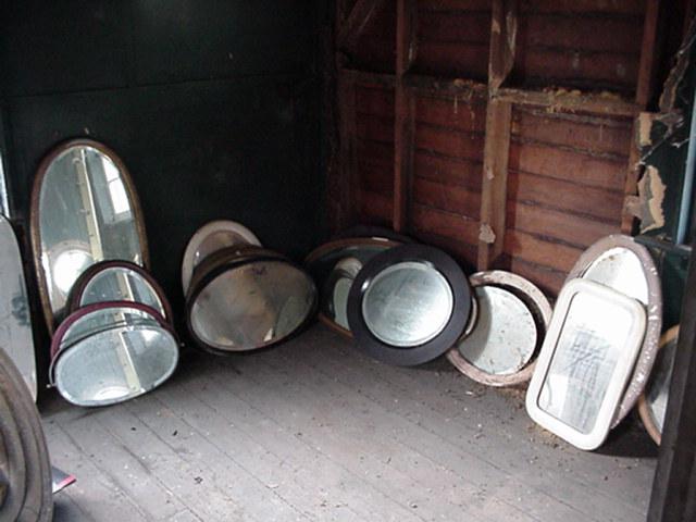 Wood Oval Beveled Mirrors Image