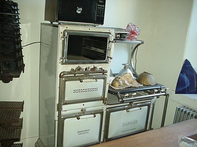 Dangler gas stove Image