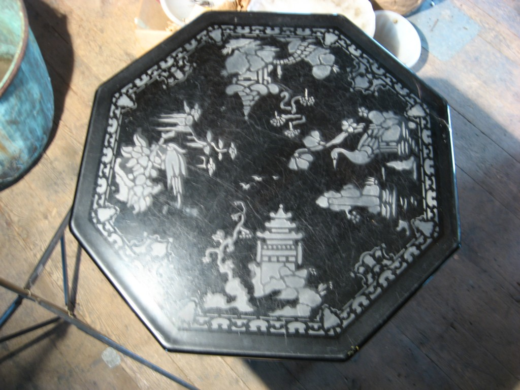 Engraved vitrolite table Image